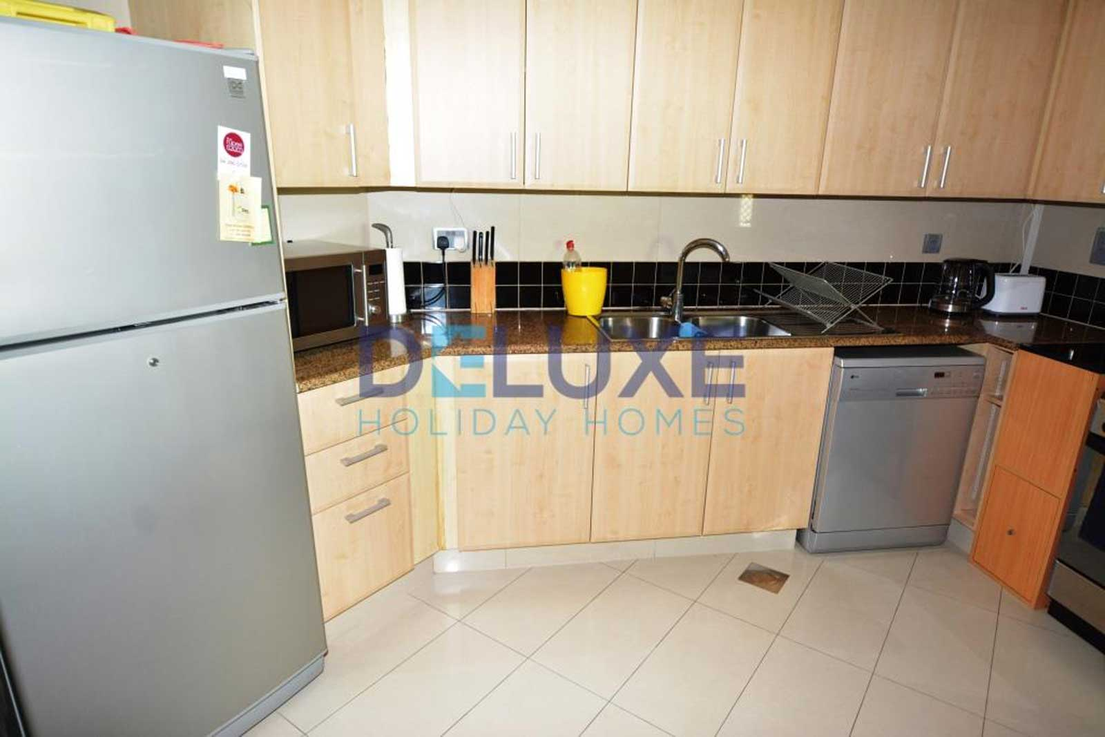 Shoreline Residences - Kitchen - Deluxe Holiday Homes