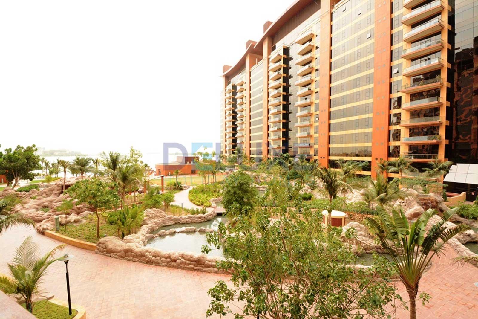 Tiara Residences - Dubai Holiday Home