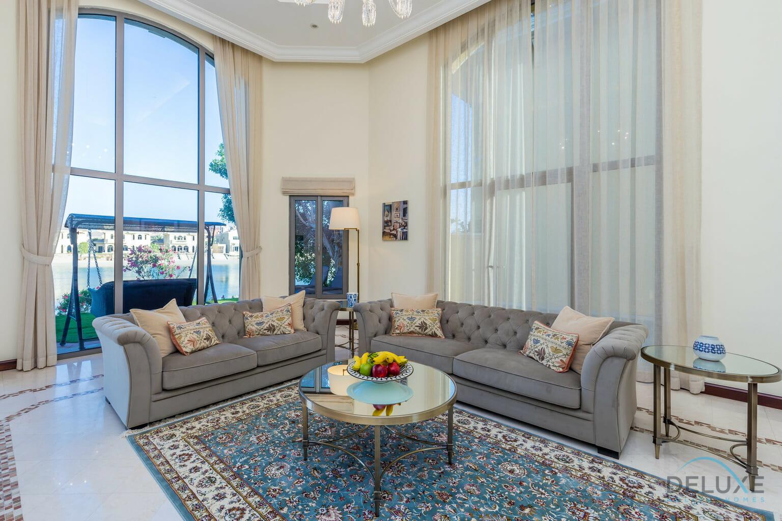 Luxurious 5 Bedrooms Villa In Palm Jumeirah