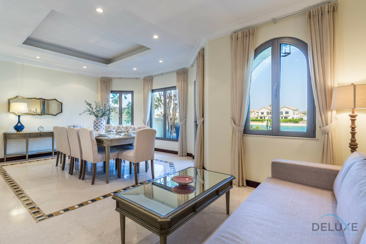 Luxurious 5 Bedrooms Villa in Palm Jumeirah - Deluxe ...
