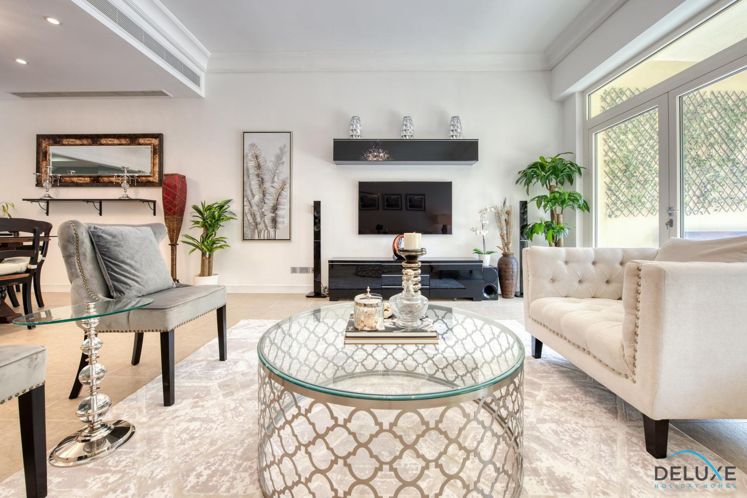 Lavish 2 Bedrooms in the Shoreline Apartments - Deluxe ...
